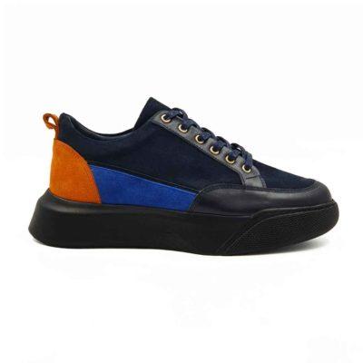 Ženske elegantne patike cipele koje su izradjene od prvoklasne kože. Ovaj model je uzbudljiv jer je korišćena prevrnuta i Nappa koža u više boja. Tako je dobijen vrlo jednostavan i savremen patchwork stil obuće. Koža je bojena sa polumat završnicom i na kraju ručno polirana specijalnom pastom i četkom za cipele.