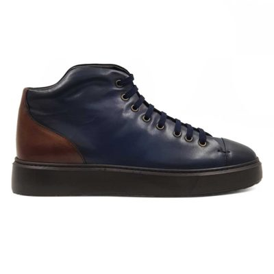 Muška poluduboka casual patika cipela Kobenhavn diskretno asimetričnog kroja.